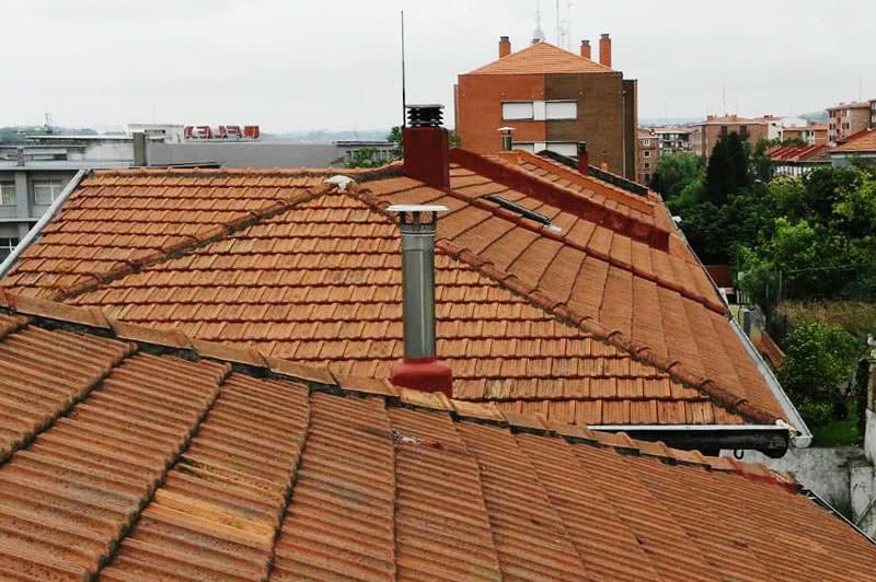 Arreglo de todo tipo de Goteras y Humedades en Tejados de Barcelona