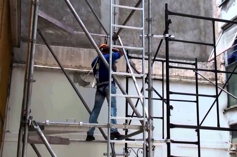Rehabilitación de edificios, patios de luces, pintura con andamios y trabajos verticales.